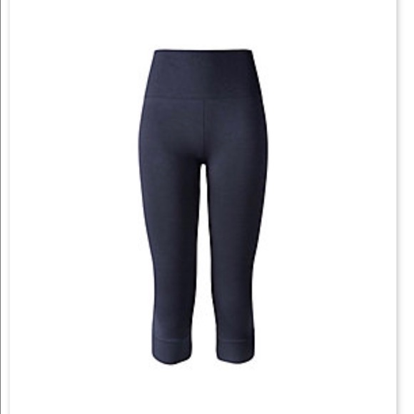 b24948e05 lululemon athletica Pants - Lululemon Eb to street crop