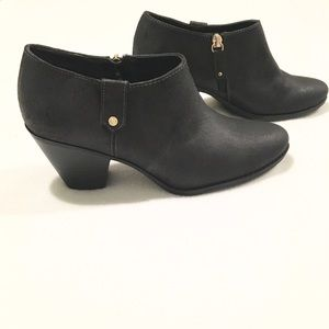 Dr. Scholl's Shoes - NWOT Black Dr. Scholl's Booties