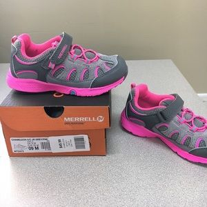 Merrell Other - 🔥Merrell Girls Chameleon grey/pink shoes