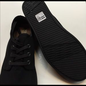 TOMS Other - Toms paseo canvas shoes