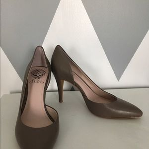 Vince Camuto pumps heels size 7 gray