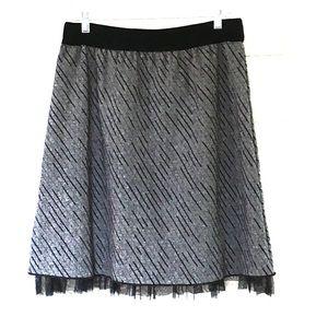 Joe B Dresses & Skirts - Joe B tweed skirt with tulle lining size L EUC