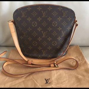 Louis Vuitton Handbags - 💯Authentic Louis Vuitton Drouot crossbody vintage