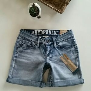 Hydraulic Pants - HYDRAULIC LOLA CURVE LIGHT WASH DENIM SHORTS