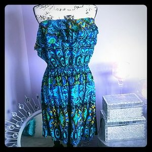 Snap Dresses & Skirts - Adorable strapless mini dress!