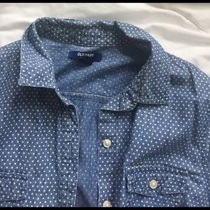 Old Navy Tops - Old Navy polka dot chambray button up size M
