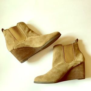 Lucky Brand Shoes - Tan Lucky Brand Wedge Booties Size 9