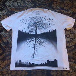 on the byas Other - White tree shirt