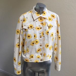 Escada Jackets & Blazers - Sunflower and Bee Escada Jacket...🐝 Size 38 🌻