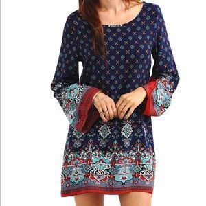 Dresses & Skirts - Navy pattern print mini dress