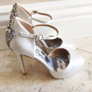 'Gene' Crystal Back Ankle Strap Pump