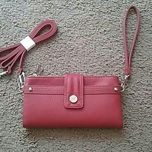 Relic Handbags - 💕PRETTY💕RELIC WALLET..NEW