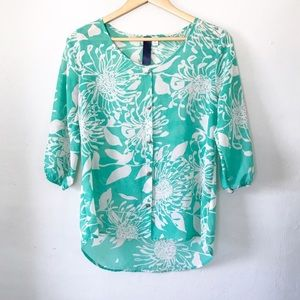 Boutique teal & white floral pattern top