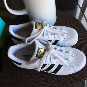 Adidas Superstars!!