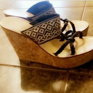 Chinese Laundry Wedges 7.5