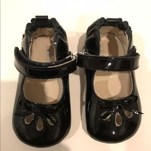 Robeez Other - Robeez  Patent Mary Janes  Size 3 (6-9 months)