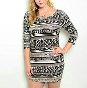 Dresses - 🌻3 FOR $20 taupe and Black Plus Size Dress