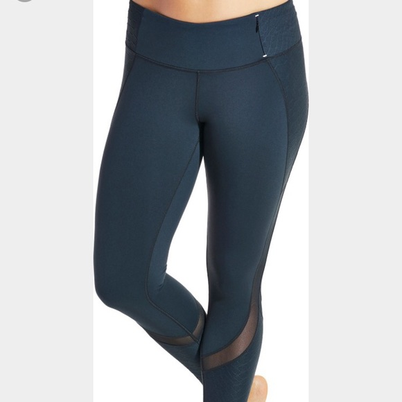 443114f7f5 CALIA by Carrie Underwood Pants - Calia textured mesh leggings by Carrie  Underwood