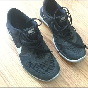 Last Price Tag! Nike Flex Run 2015 Woman's 7.5