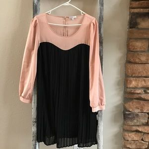 Moma Dresses & Skirts - Mono maternity pleaded dress 👗 M