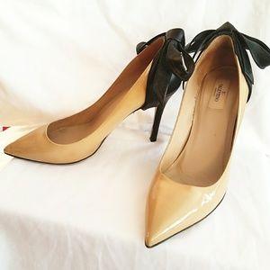 Valentino Garavani Shoes - VALENTINO patent leather bow pumps stiletto heel