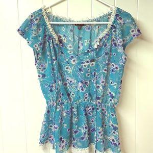 Lily White Tops - Lily White medium sheer cap sleeve shirt