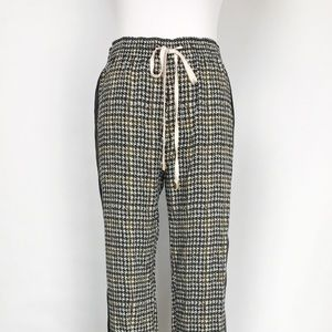 Lightweight Houndstooth Patterned Joggers