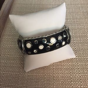 Jewelry - Metal polka dot bangle