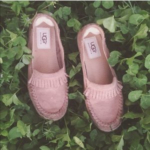 UGG slip one for girls sz: 2