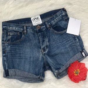 NWT One Teaspoon Cobaine Chargers Shorts 25