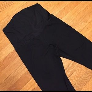 Ingrid & Isabel Pants - Be Maternity Ingrid & Isabel Black legging cropped