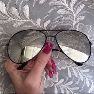 Leoninus Accessories - ☀️NEW☀️ Silver Mirror Lens Black Frame Aviators