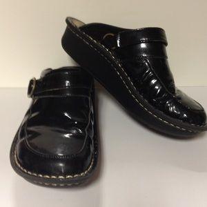 Alegria Shoes - Alegria black clog mules size 38