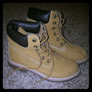 Other - Tan boots