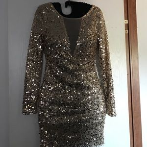 Gold long sleeve sequined dress