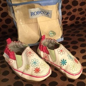 Robeez Other - ROBEEZ Soft Sole Shoes