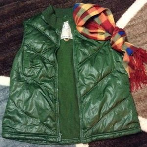 Puffy green vest fleece lined very warm