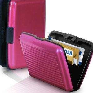 Cloudz Handbags - Pink aluminum wallet / credit card holder