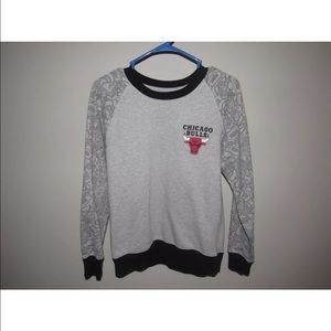 Other - Chicago Bulls NBA Crew Neck Pull Over Size Small