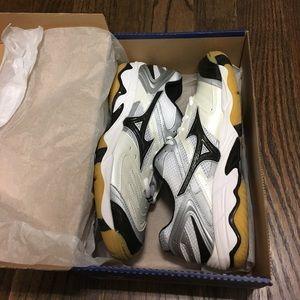 Mizuno Shoes - Mizuno Volleyball Shoes