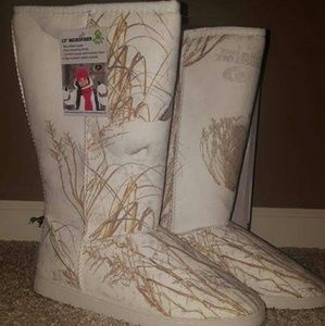 Dawgs Shoes - Microfiber Mossy Oak Boots