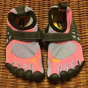 Vibram Other - Vibrant Fivefingers Shoes