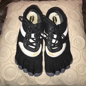 Vibram Other - Vibram FiveFingers TrekSport Multisport Shoes