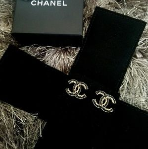 CHANEL Jewelry - ✨SALE✨Authentic CHANEL CC Earrings