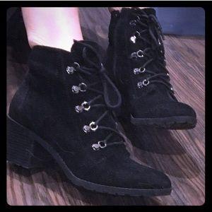 Anne Klein Shoes - 💥BOGO💥 Anne Klein Ankle Boots
