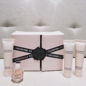 Viktor & Rolf Other - Viktor & Rolf Flowerbomb Mini Gift Set (NEW)