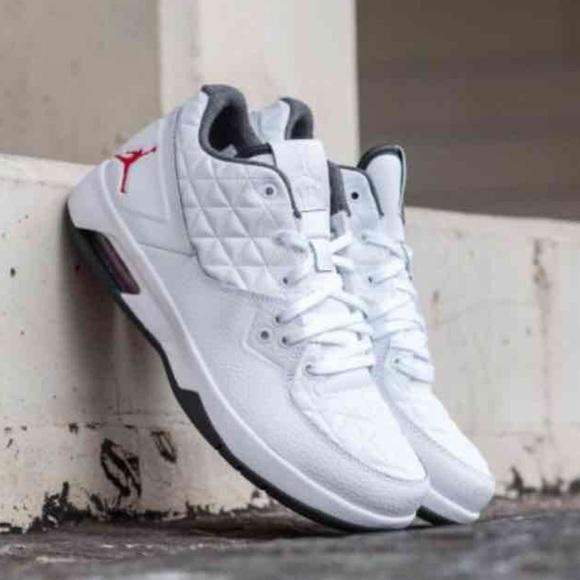 38ce4e763ed Nike Air Jordan Clutch Basketball Sneaker for Men
