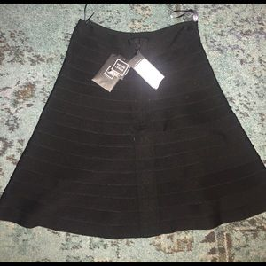 Herve Leger Dresses & Skirts - Herve Leger Black NWT. Size Lg. Classic Bandage