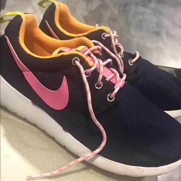Colorful Nike Roshes. M 58dcda794e8d1771e502509c 419d593fb