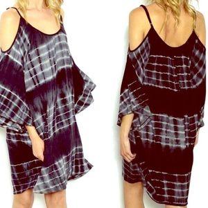 Boho Loco Fashion Boutique Dresses & Skirts - Ombré Dip Dye Sexy Shoulder Tunic Dress NWT